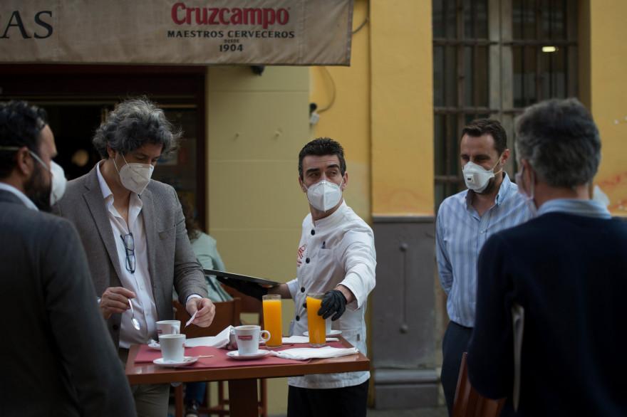 Un café de Séville, le 11 mai 2020