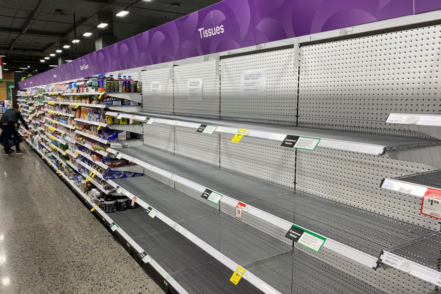 Les rayons vides d'un supermarché à Melbourne, le 5 mars 2020, à cause du coronavirus.