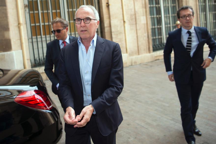 Jacques-Henri Eyraud à la droite de Frank McCourt le 29 août 2016