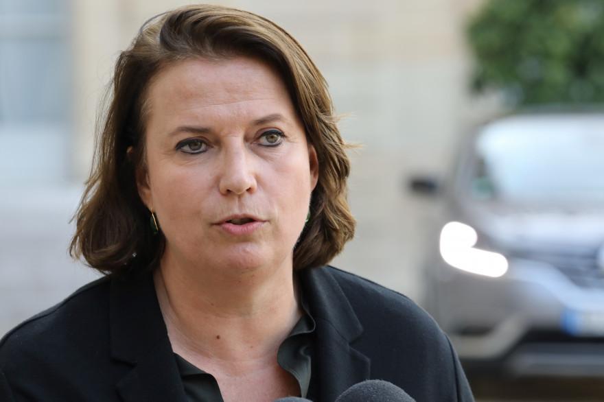 Claire Hédon, journaliste et présidente d'ATD-Quart monde, le 17 octobre 2017, dans la cour de l'Elysée