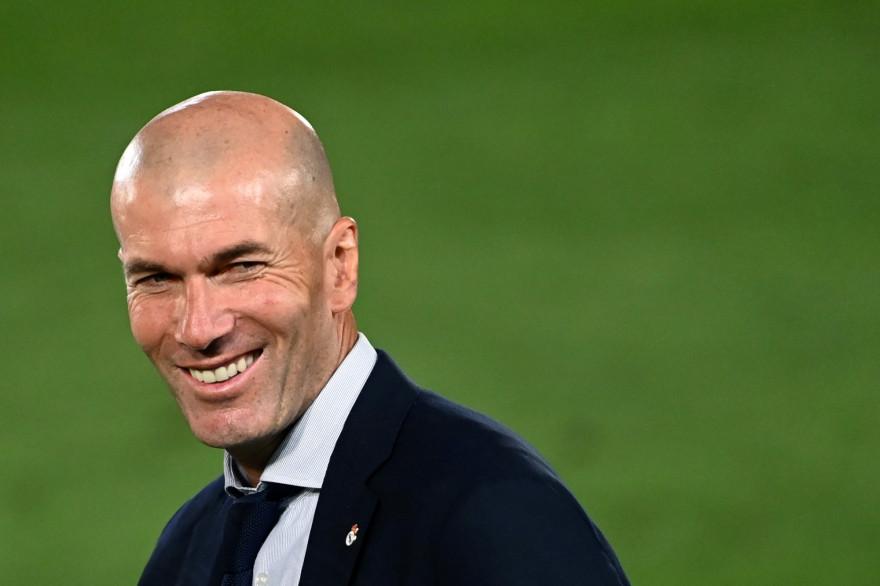 Zinédine Zidane, célébrant la victoire du Real Madrid