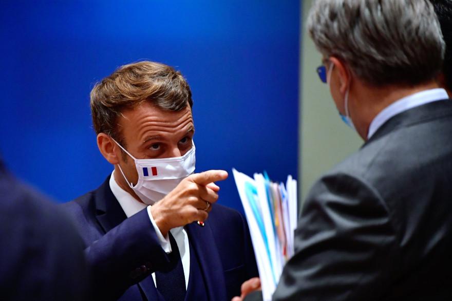 Emmanuel Macron, au sommet européen sur l'après-crise du coronavirus, à Bruxelles, le 20 juillet 2020.