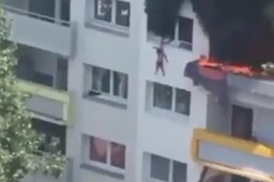 Un enfant saute du balcon pour échapper aux flammes à Grenoble