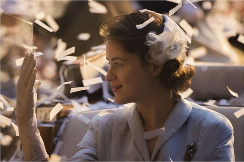 """Claire Foy interprète la reine Elisabeth II dans la série """"The Crown"""" sur Netflix."""
