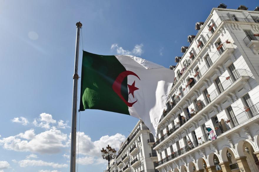 La drapeau de l'Algérie (Illustration)
