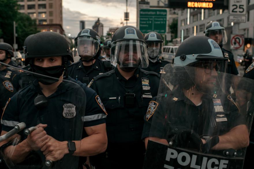 Des policiers (NYPD) à New York, le 2 juin 2020.