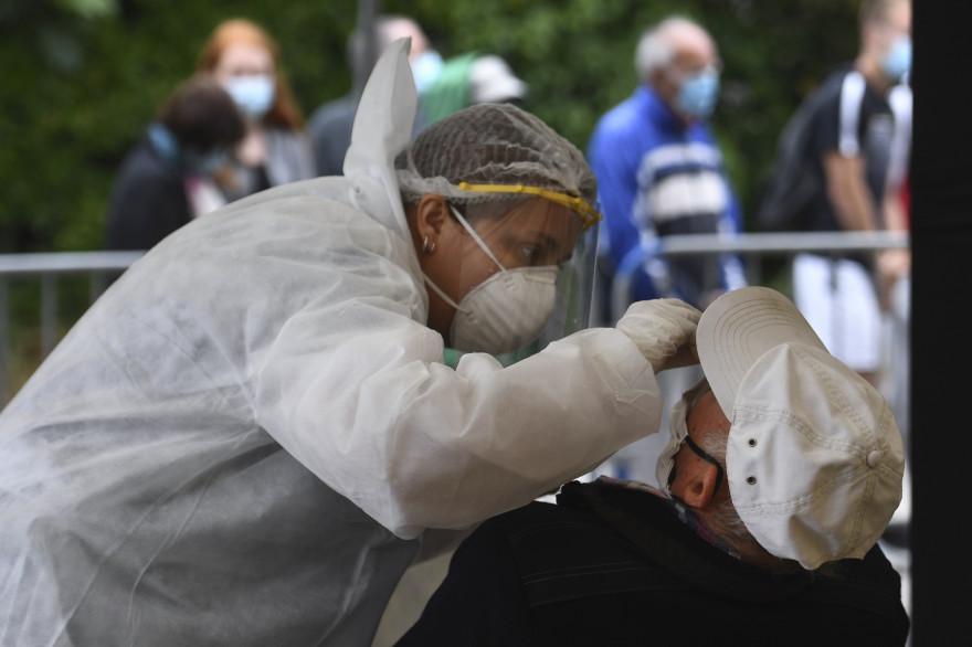 La France a enregistré 5.000 nouveaux cas cette semaine.