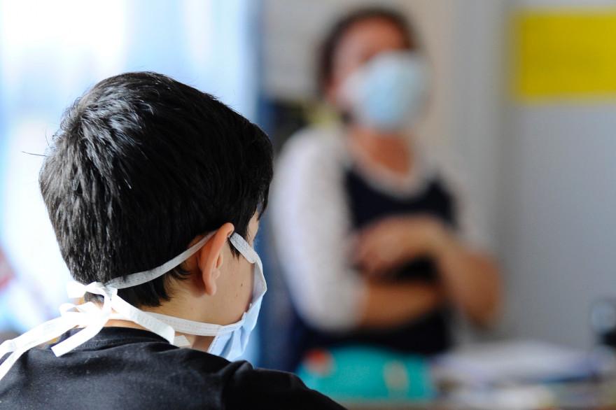 Coronavirus : pourquoi le masque est obligatoire à 11 ans, et pas avant (illustration)