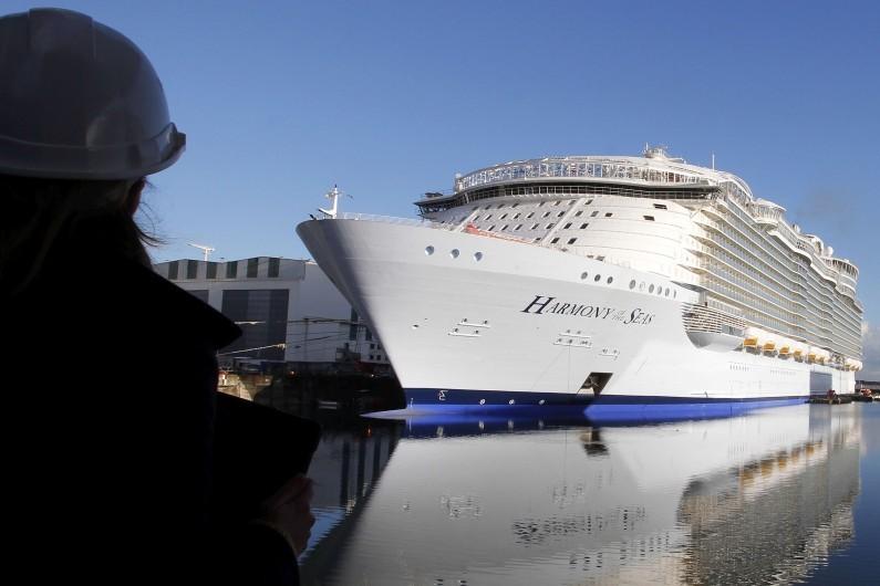 """Le plus gros paquebot du monde, """"Harmony of the Seas"""", en construction à Saint-Nazaire, le 18 février 2016"""