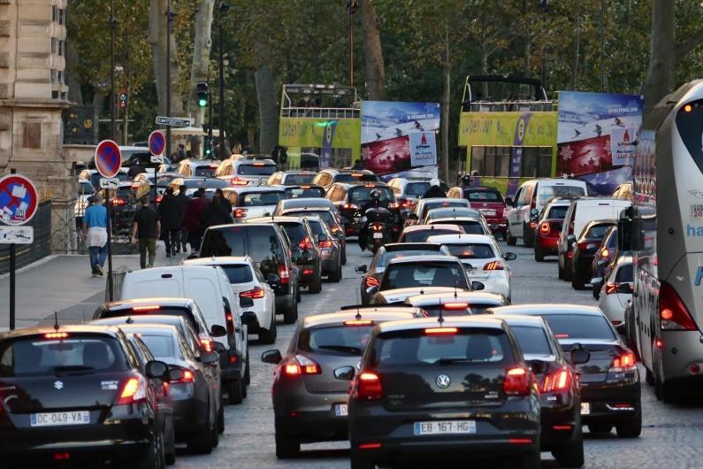 Des bouchons dans les rues de Paris