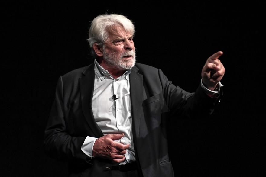 Jacques Weber sur scène le 20 juin 2020 à Paris.