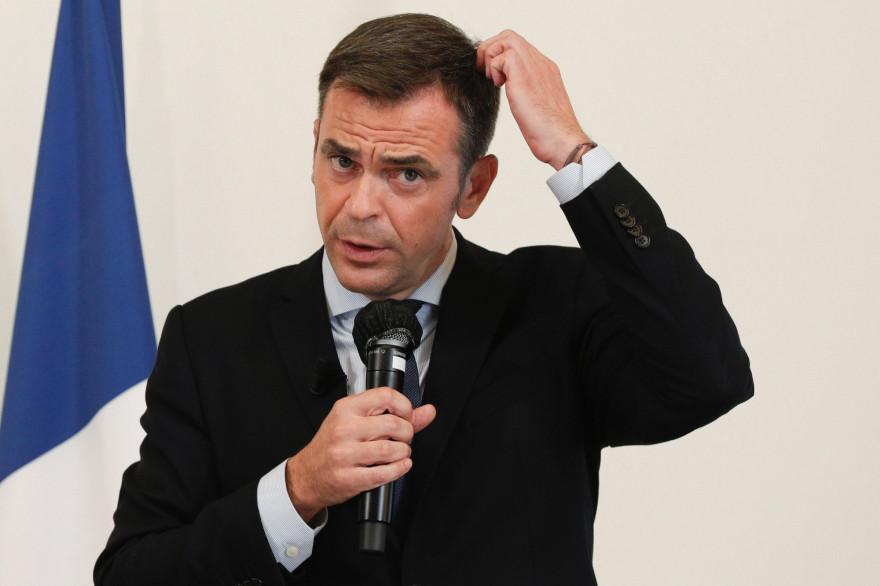 Le ministre de la Santé Olivier Véran en conférence de presse à Paris le 17 septembre 2020
