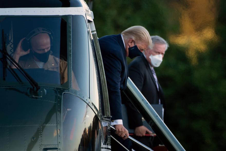 Donald Trump, positif à la Covid-19, arrive le 2 octobre 2020 à l'hôpital de Bethesda