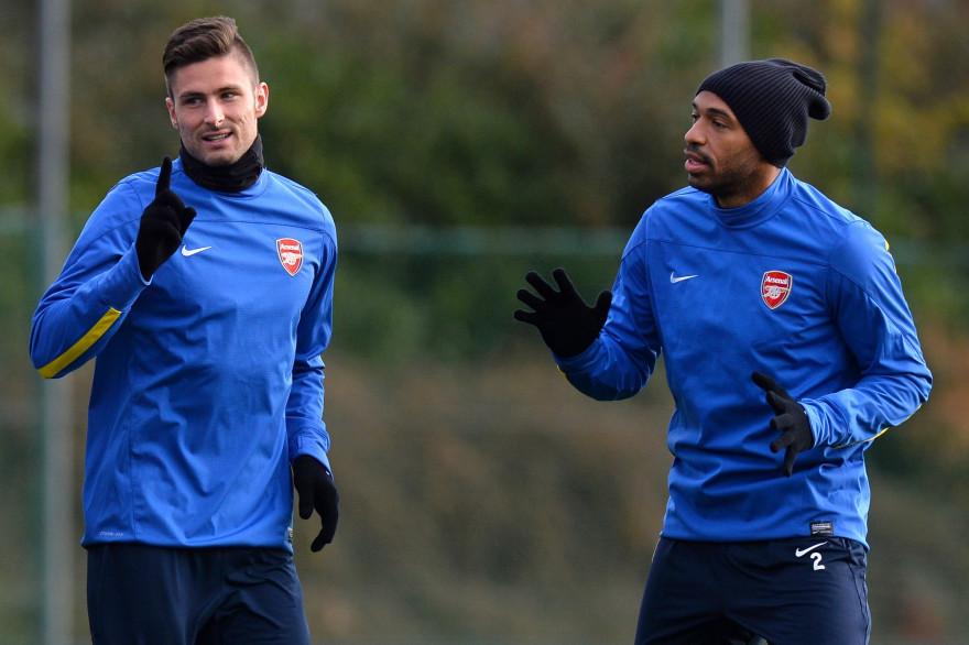 Olivier Giroud et Thierry Henry à l'entraînement avec Arsenal le 25 novembre 2013