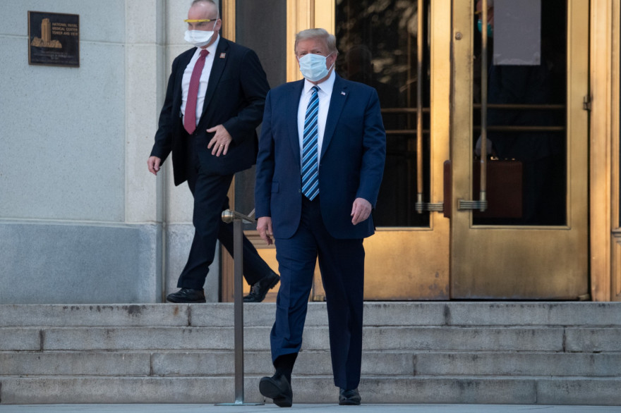 Donald Trump, testé positif au Covid-19, quitte l'hôpital militaire Walter Reed situé à Bethersda (Maryland)