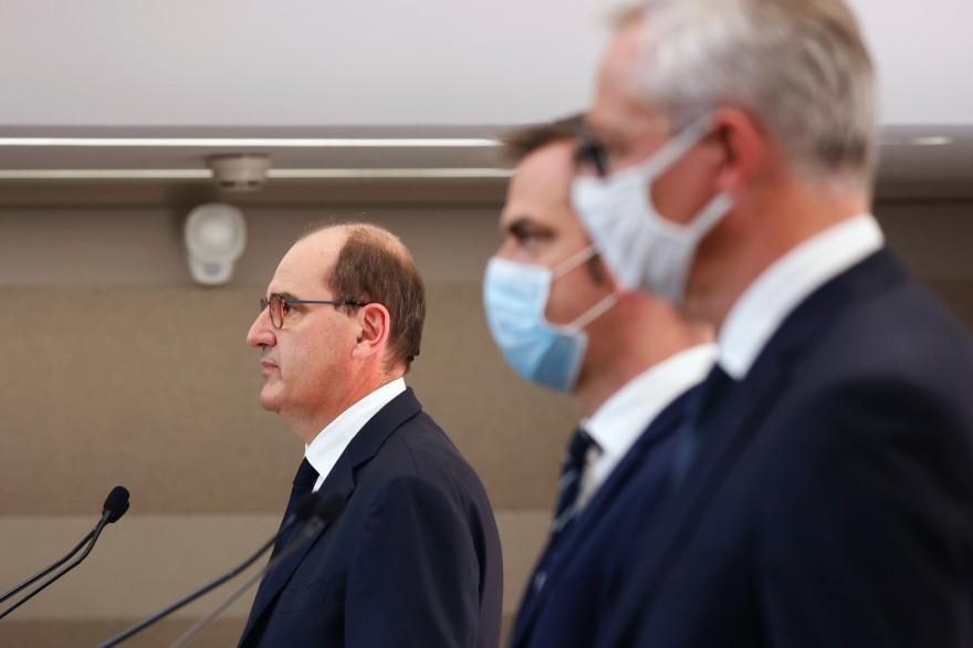 Le Premier ministre Jean Castex, les ministres de la Santé et de l'Économie Olivier Véran et Bruno Le Maire, le 15 octobre 2020 en conférence de presse.