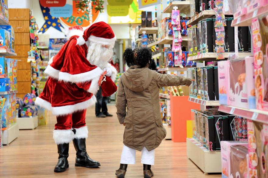Un magasin de jouets pendant la période des fêtes (illustration)