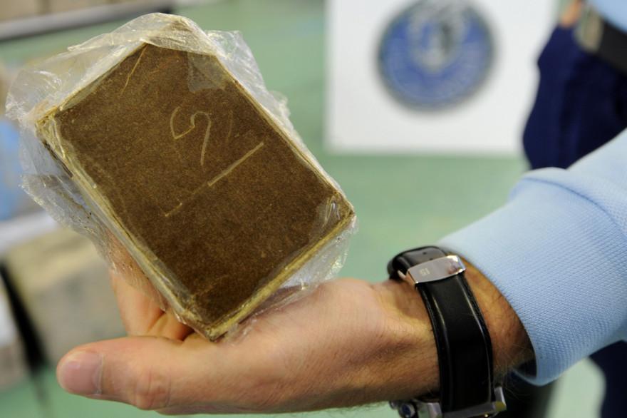 De la résine de cannabis saisie par les forces de l'ordre (photo d'illustration).