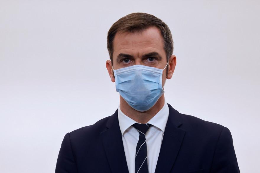 Le ministre de la Santé Olivier Véran lors d'un point presse, le 15 octobre 2020 à Paris.