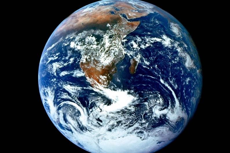 La planète terre photographiée par la mission Apollo, le 7 décembre 1972
