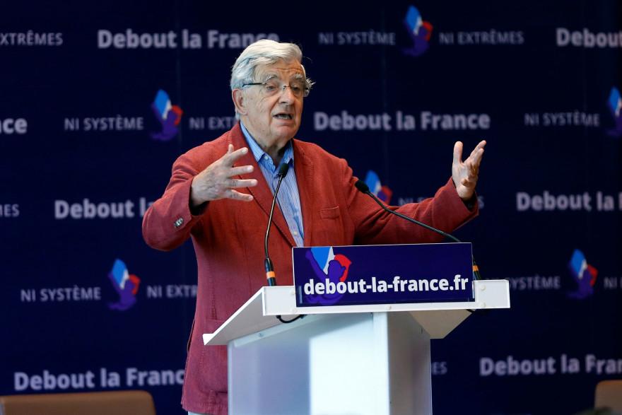 Jean-Pierre Chevènement était invité à l'université d'été de Debout la France à Yerres le 29 août 2015.