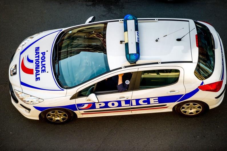 Voiture de police (illustration)
