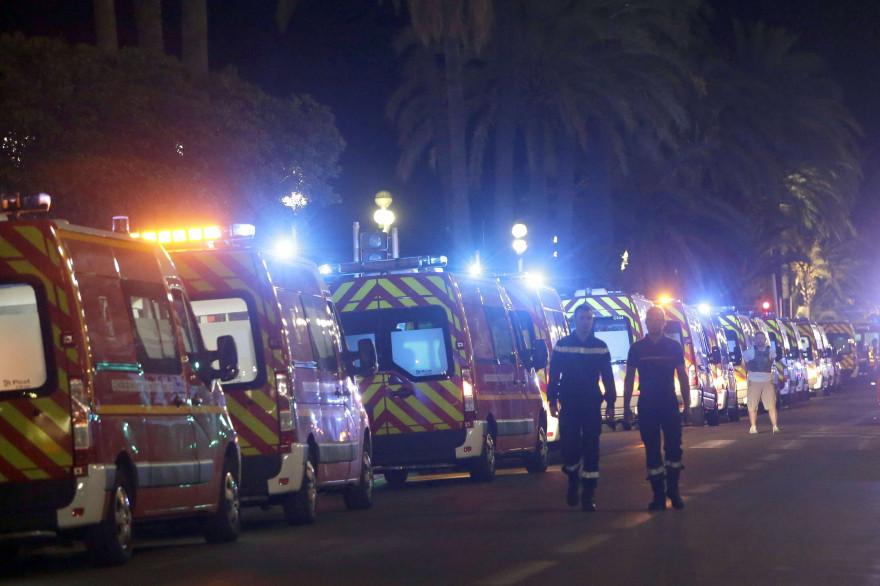 Toutes les effectifs de secours ont été mobilisés pour faire face à l'attentat qui a frappé Nice jeudi 14 juillet