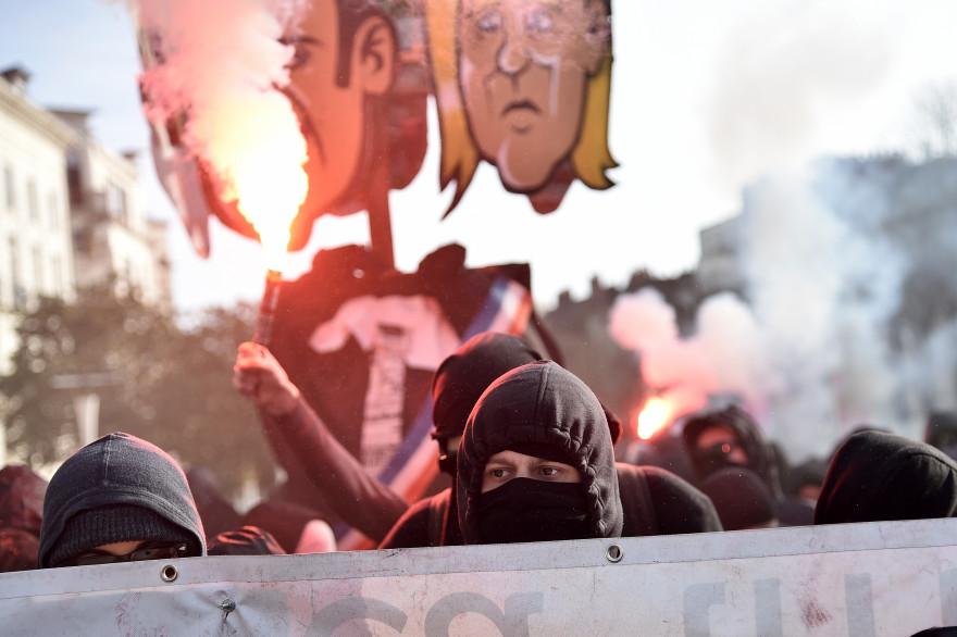Des manifestations lors du rassemblement contre Marine Le Pen le 25 février à Nantes.
