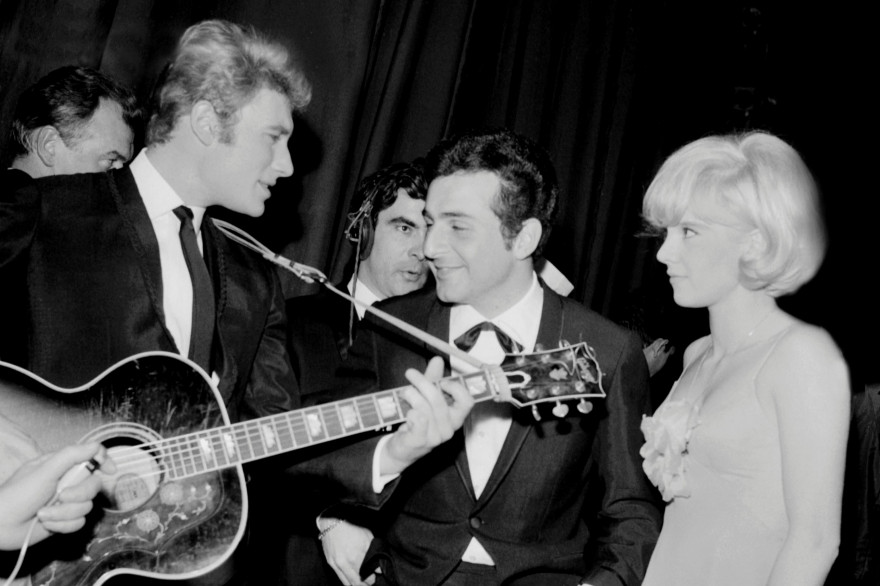 Johnny Halliday, Richard Anthony et Sylvie Vartan le 6 février 1964 à Paris