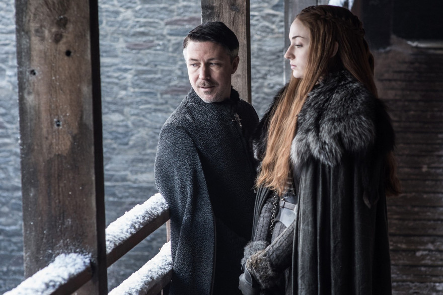 "Littlefinger et Sansa lors de l'épisode 1 de la saison 7 de ""Game of Thrones"""