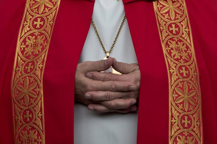 Un prêtre (illustration).