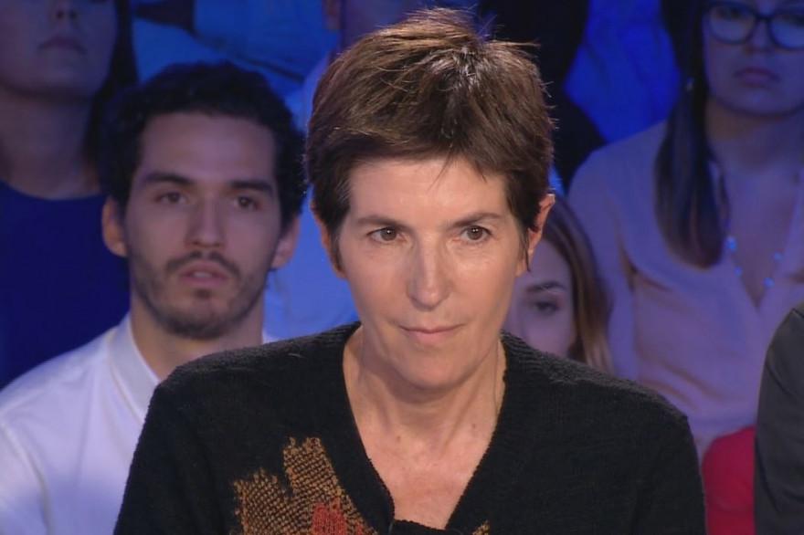 """Christine Angot fait sa rentrée sur le plateau d'""""On est pas couché"""""""