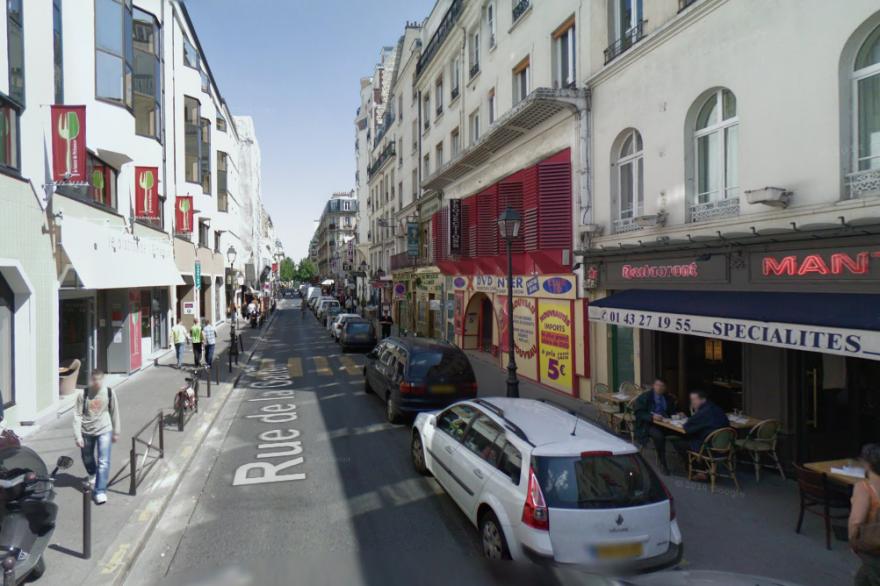 La sexagénaire gardait en captivité plus de 130 chats dans son appartement situé rue de la Gaieté à Paris.