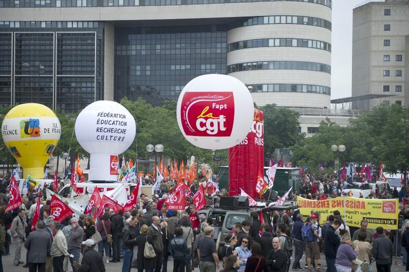 Une manifestation des fonctionnaires, le 31 mai 2011 à Paris