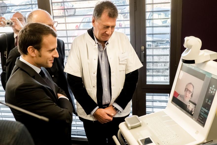 Emmanuel Macron avait testé une séance de télémédecine durant la campagne présidentielle.