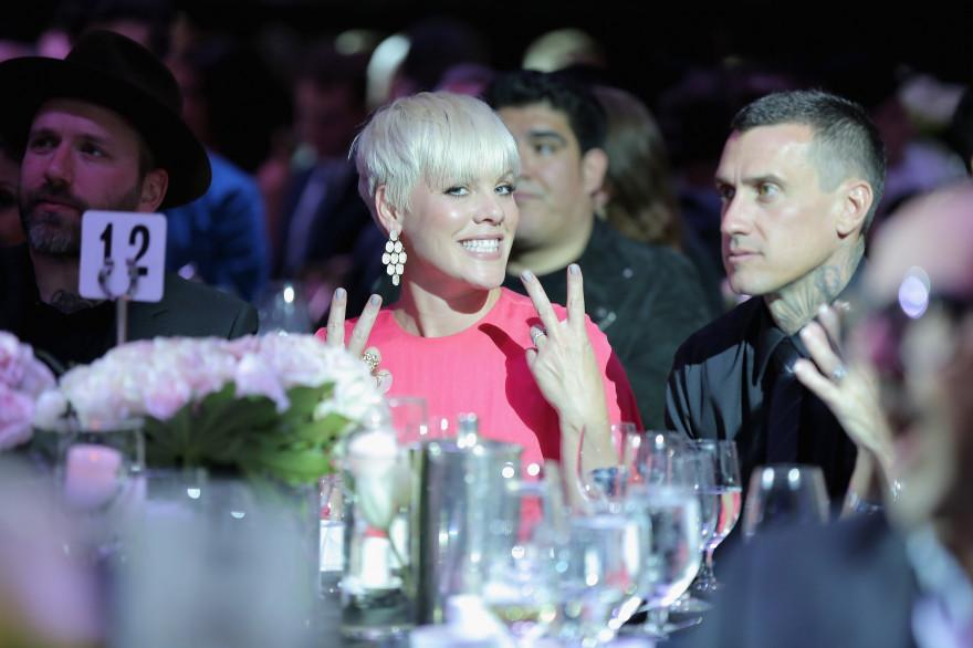 Pink et son époux Carey Hart, lors d'un gala à Bervely Hills le 12 mai 2015