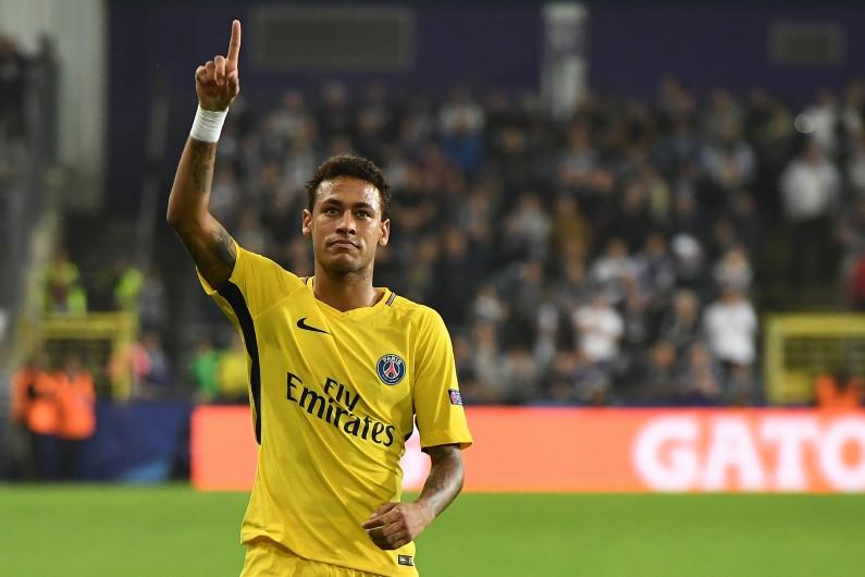 La star du PSG est soupçonnée par le fisc brésilien de ne pas avoir déclaré ses revenus entre 2011 et 2013.