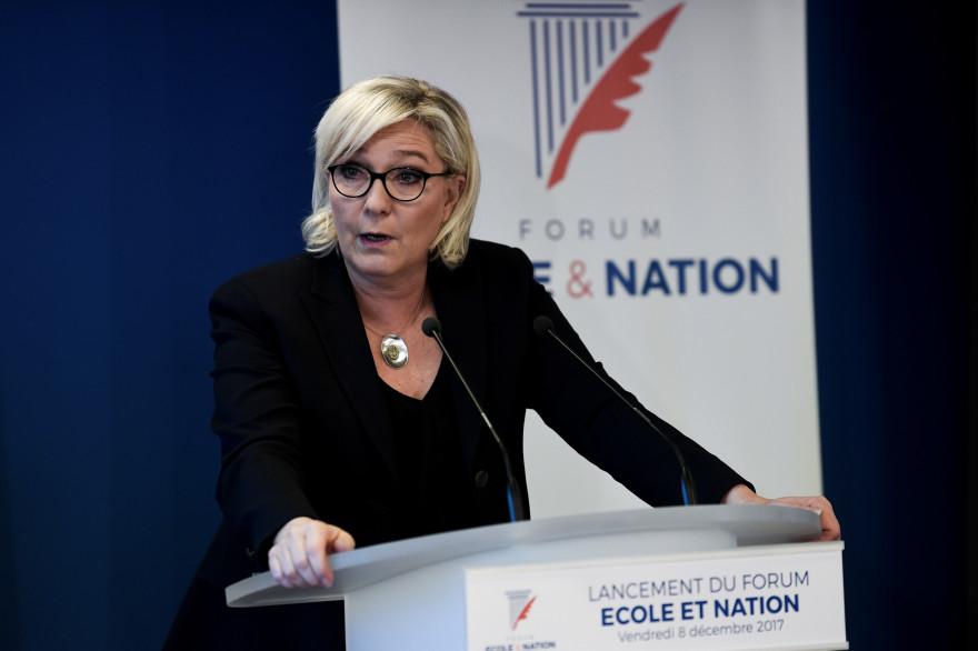 Marine Le Pen lors du Forum du FN sur l'éducation, ce vendredi 8 décembre