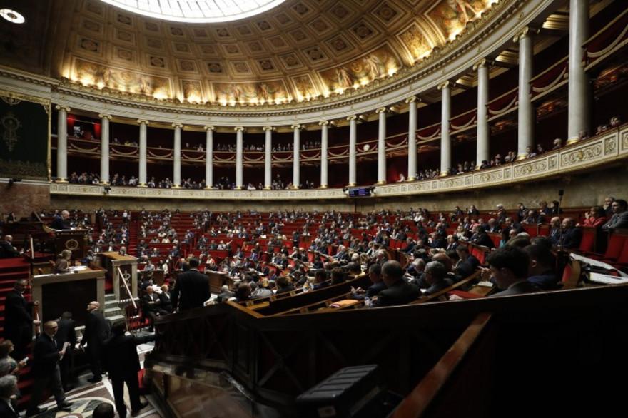 Les députés lors d'une session de questions au gouvernement à l'Assemblée nationale à Paris, le 29 novembre 2017.