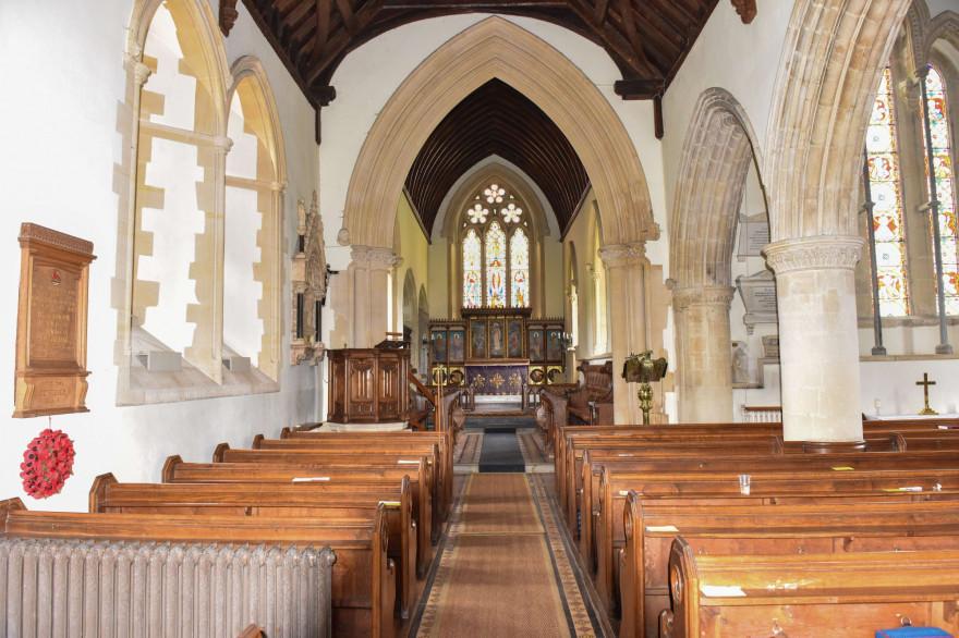 Une église vue de l'intérieur (illustration)