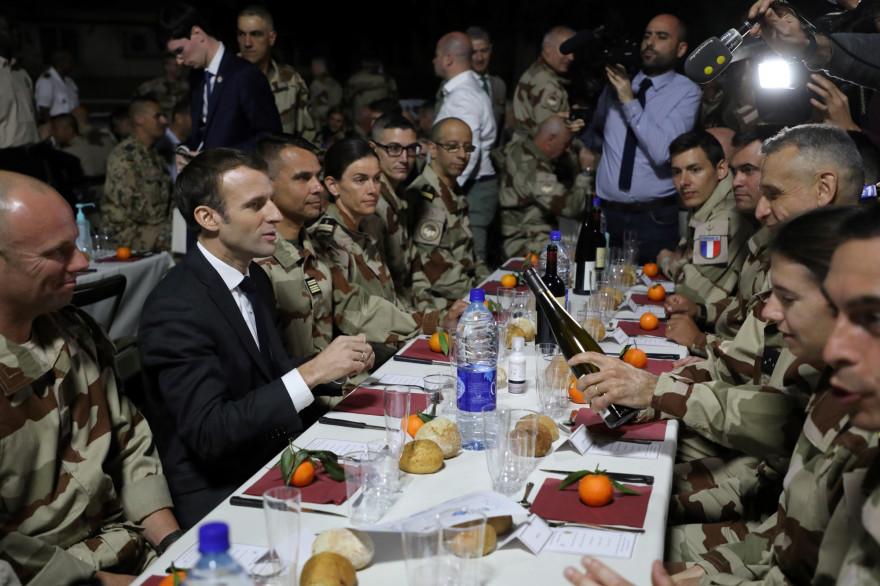 Emmanuel Macron en visite au Tchad le 22 décembre 2018