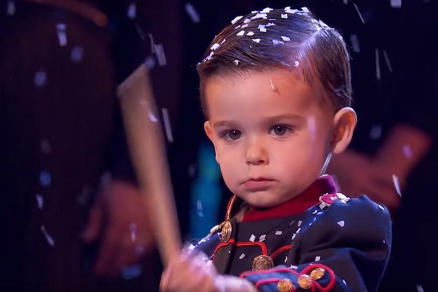 """Un garçon de 3 ans remporte """"Incroyable Talent"""""""