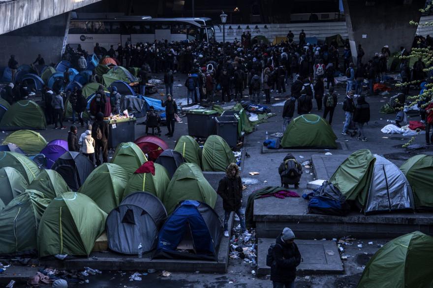 Le camp de migrants de la porte de la Chapelle à Paris, le 4 avril 2019