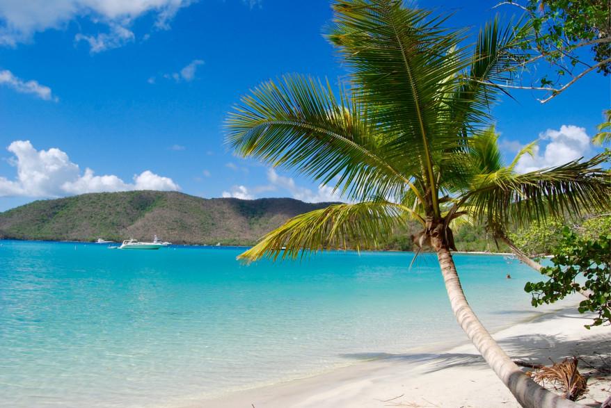 Saint-John, dans les Iles Vierges Américaines. L'archipel des Caraïbes figure désormais sur la liste noire des paradis fiscaux de l'UE.