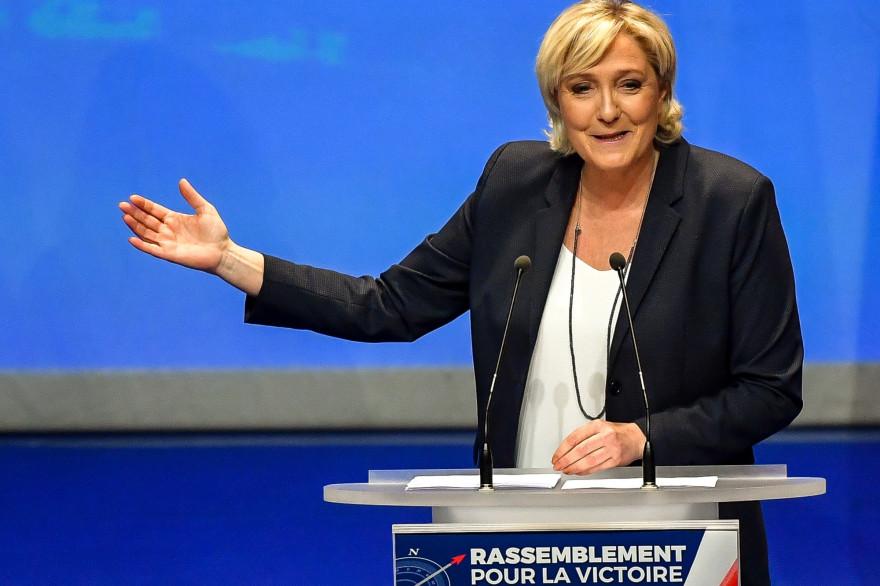 Marine Le Pen lors du congrès du Front national, le 11 mars 2018