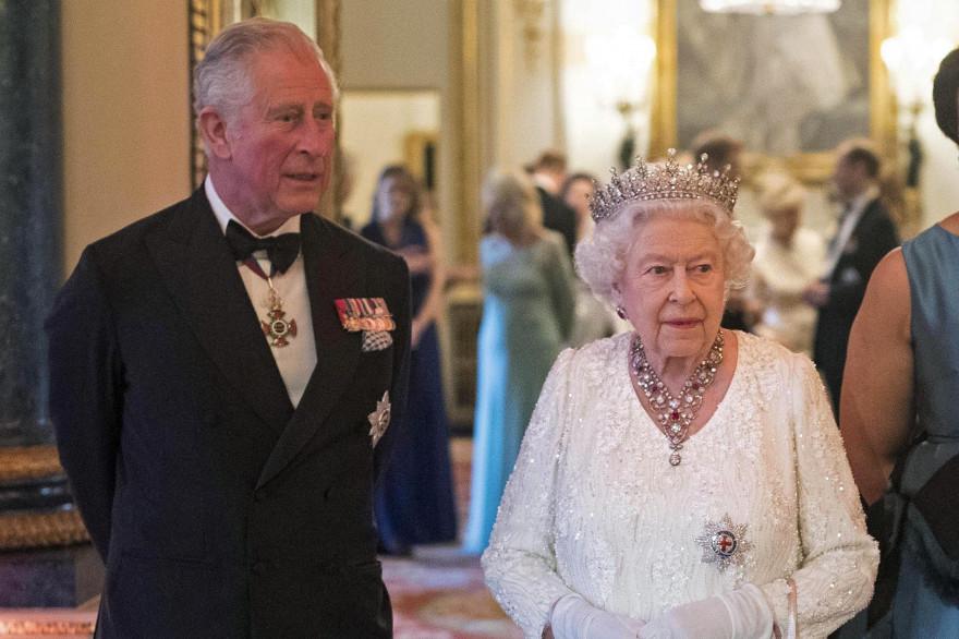 Elizabeth II et son fils, le prince Charles, le 19 avril 2018 à Londres