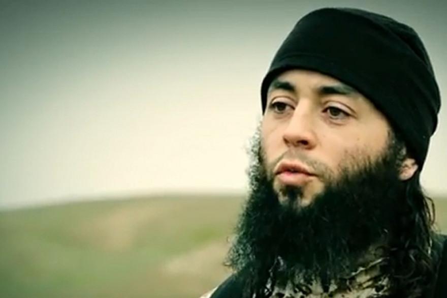 Sabri Essid, le jihadiste toulousain de la filière Artigat sur une vidéo de propagande de Daesh datant de 2015