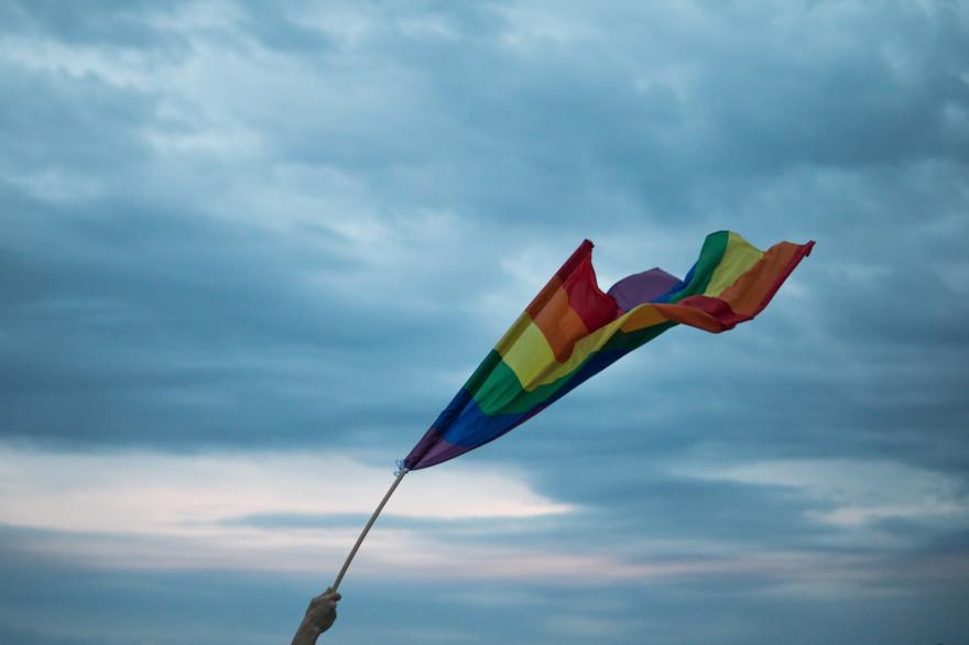Les personnes LGBTQ+ subissent des discriminations en raison de leur genre ou de leur orientation sexuelle