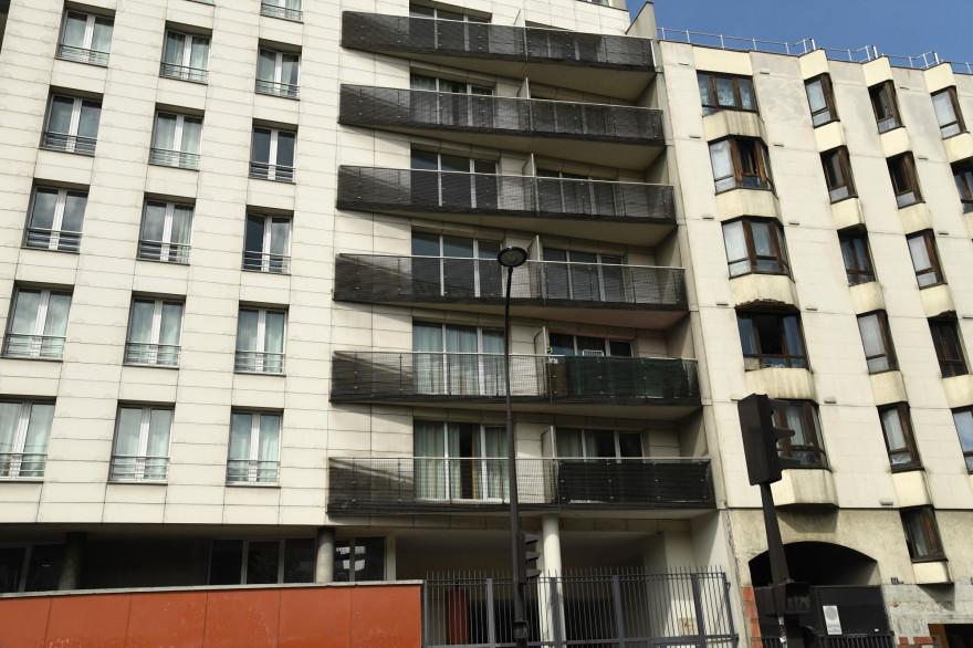 Immeuble Max Dormoy à Paris, où un enfant s'est supendu dans le vide