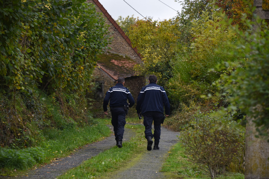 Deux gendarmes (illustration)